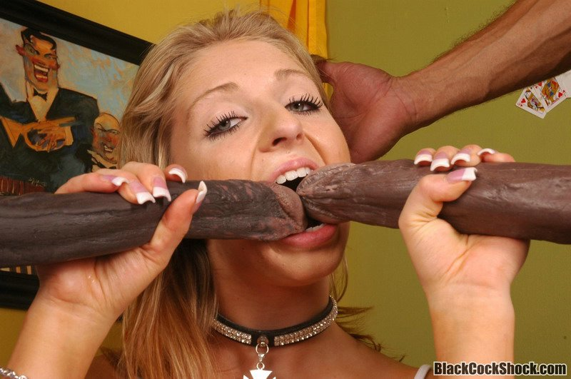 S Pantyhose Clad Mouth